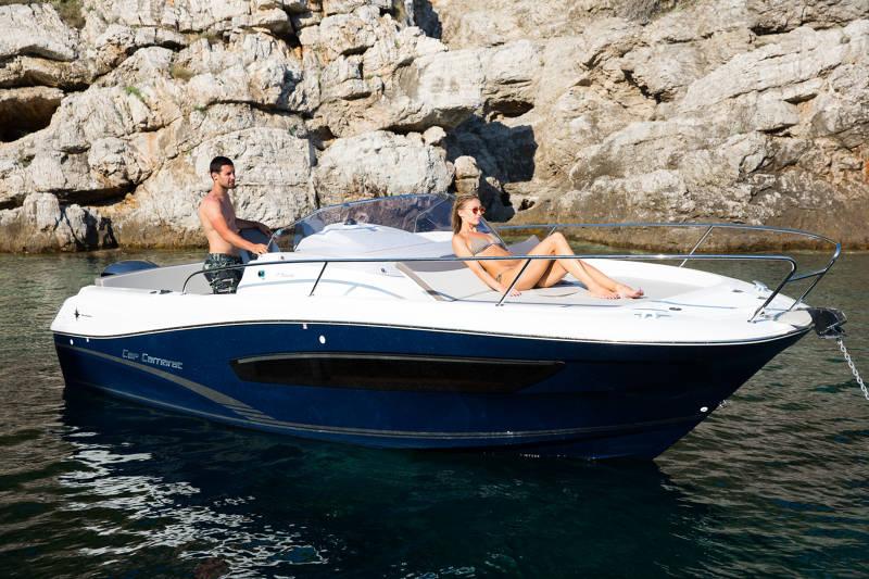 Hivernage, vente, réparation de bateaux en Corse à Porticcio : Jeanneau Cap Camarat 7.5 WA